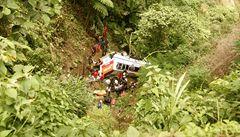 Na Filipínách se zřítil autobus do hluboké strže, zemřelo 41 lidí