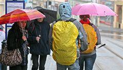 Předpověď počasí školáky nepotěší. Začátek prázdnin bude chladnější a deštivý