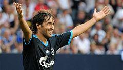 Bundesliga roste a vábí víc hvězd. Přilákala Raúla i Ballacka