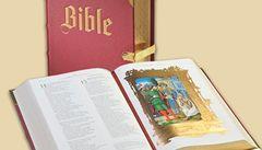 Klaus a Duka dostali zlatou Bibli za 60 tisíc. Podívejte se