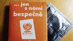'Jen s námi bezpečně' – ČSSD láká mladé na oranžové kondomy
