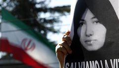 Zničené Einsteinovy zápisky a mučení v Íránu
