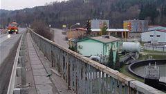 Praha pátrá po znečišťovateli vody v kanalizaci. Neznámá látka není toxická