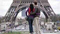 Paříž pokutuje kuřáky, kteří odhazují nedopalky