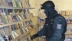 Na hřenské tržnici odhalili celníci padělky ve výši 9 milionů korun