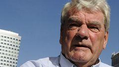 Holocaust je fakt, ale Hitler o něm nevěděl, prohlásil David Irving