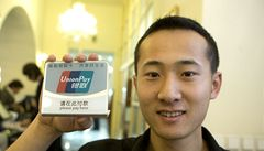 Už jsou tu. Čínské karty se objevily v Česku, trh čekají velké změny