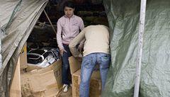 Z Česka putují do Vietnamu špinavé miliardy v kufrech