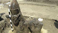V egyptském Luxoru archeologové vykopali sochu Amenhotepa III.