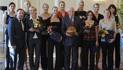 Basketbalistky dostaly od Klause zlaté plakety za stříbro na MS