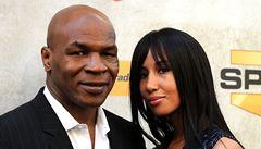 VIDEO: Bestie slaví! Legendární boxer Mike Tyson se dožil padesátky