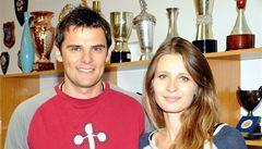 Nejsme do střílení psychopati, říká Kostelecký s novomanželkou