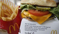 Gumové hranolky a vychladlé burgery? Rozvozy jídel obcházejí řetězce