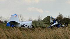 Na letišti na Mostecku havarovalo malé letadlo, dva piloti zemřeli
