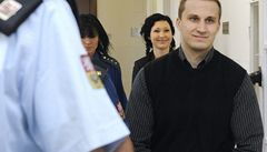 Špičky krajní pravicové scény jsou u soudu. Hrozí jim osm let vězení