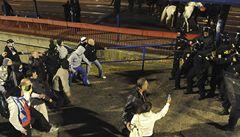 VIDEO: Válka místo fotbalu. Fanoušci Baníku viní policii a sami sebe