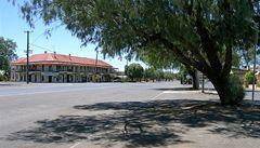 Australské městečko se chce 'udržet při životě'. Pronajímá domy za dolar
