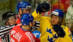 Čeští mistři světa vstoupili do sezóny prohrou 3:4 se Švédskem