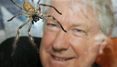 Australan bude žít se stovkami nebezpečných pavouků. Kvůli charitě