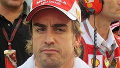 OBRAZEM: Slzy v Alonsových očích, radost Vettela na stupních vítězů