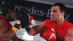 Boxerský svátek zrušen, zraněný Kličko s Chisorou boxovat nebude