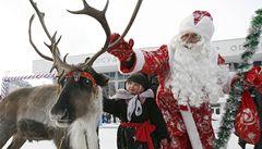 Vánoční krize: Dědové Mrázové píší stížnost, ruské úřady jim zakazují vstup do školek