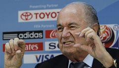 Revoluce se blíží, pro zimní termín MS v Kataru je také šéf FIFA Blatter