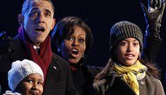 OBRAZEM: Obamovi ve Washingtonu rozsvítili vánoční strom