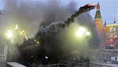 Chuligáni v Rusku se rvali s policí. 'Uctili' tak mrtvého fanouška