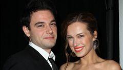 Modelka Petra Němcová se zasnoubila s hercem Jamiem Belmanem
