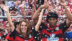 Dobří holubi se vracejí: už i Ronaldinho tančí sambu doma, v Evropě skončil