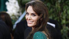 Jako Angelina Jolie. V Česku si preventivně nechaly odstranit prsa desítky žen