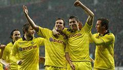 Bayern, Schalke či Brémy nestačí. Německé vládce drtí skromný Dortmund