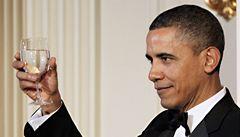 Barví si Obama vlasy? Ráno je měl našedivělé, večer tmavé