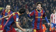 Čtyři branky, červená, penalta a Rosický v LM končí. Dál jde Barcelona