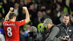 Jsi příliš dobrý, opěvují fanoušci Liverpoolu hvězdného Gerrarda