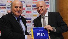 Blatter rázně tlumí české plány s videem. Hlídat jen brankovou čáru, tvrdí