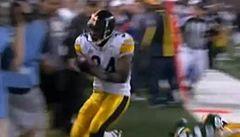 VIDEO: Jako tank. Zboural kameramana a poté položil touchdown