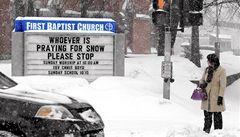 Sněhová bouře ochromila USA, statisíce lidí jsou bez elektřiny