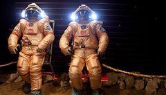 Simulují let na Mars. Chybí jim slunce a rodina