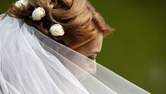 Opravdu netradiční svatba: Ženich a nevěsta se vznášeli nad vodou