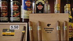 Kuba bez doutníků? Restaurace vyhání kuřáky ven