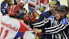Hosté vládli. Vyhrály Vítkovice i Pardubice. Ve Zlíně zkolaboval fanoušek