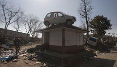 Počet obětí zřejmě přesáhne 11 tisíc. Hrozí další silné zemětřesení