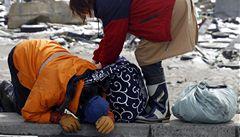 Lidé po tsunami hladoví. 'Jen porce rýže denně? To je málo'