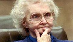 Zemřela 'hodná' sériová vražedkyně