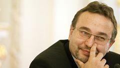 Čeští ministři mají problémy mluvit v Bruselu, neznají jazyky