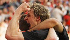 Leverkusen boj o titul nevzdává, ztrácí už jen 5 bodů