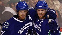 Bratři jak se patří. Švédská dvojčata píší historii NHL
