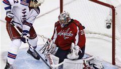 První nula v play off NHL. Neuvirth táhne Caps za postupem